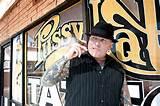 ... Tatuagem de gato. Recentemente foi nomeado melhor estúdio de tatuagem em Las Vegas