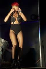 Rihanna buceta lábio Slip mau funcionamento do Wardrobe no Rock In Rio música...