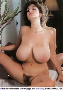 ... erótica #pussy #spreading #hairy #bigtits #bigboobs #hugetits | obsceno