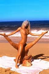Lésbicas Tribbing na praia