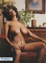 ... imagem por Avrgjoe: mulher Vintage preto com peitos grandes e buceta peluda